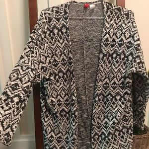 H&M black & white geo print cardigan